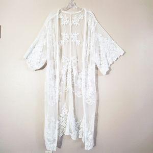 White floral lace Kimono/robe